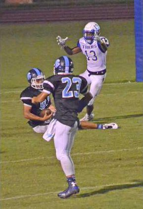 Long Co. tightend Christian Bass snags a reception for  the 2-pt coversion to tie gm against BI Tigers