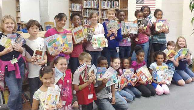 Wed 10-11 Walker Elem Book Drive picture