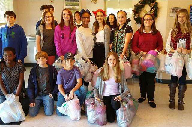 FBLA Donate Throws to Seniors in Long County