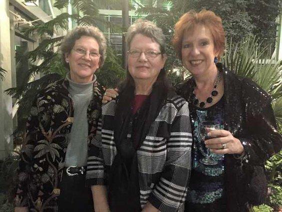 Lynn Pace wins Humanitarian Award