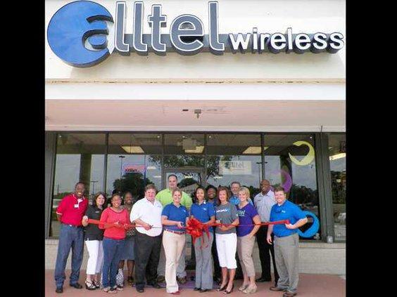 BIZRibbon Cutting - Alltel The Wireless Co.