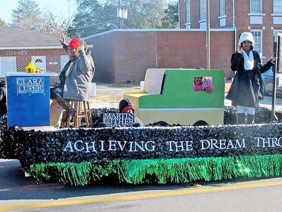 Long MLK parade 1