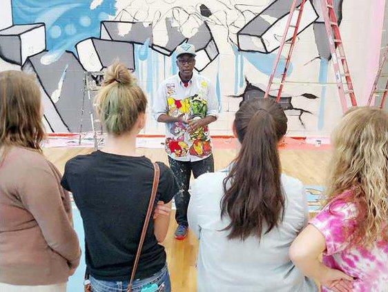 Long muralist