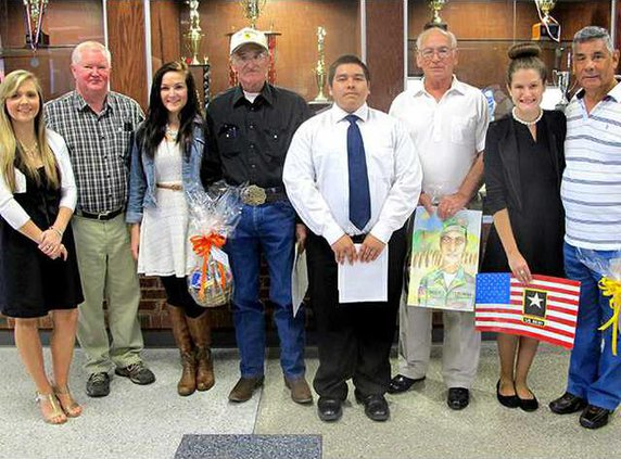 Pic 1 Students and their Vets