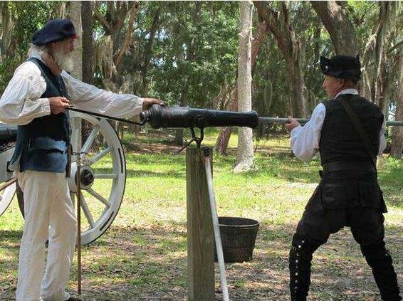Fort Morris canon demo