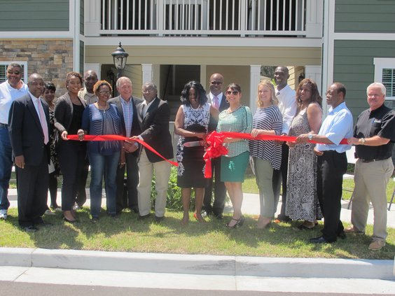 Hineshouse ribbon cutting