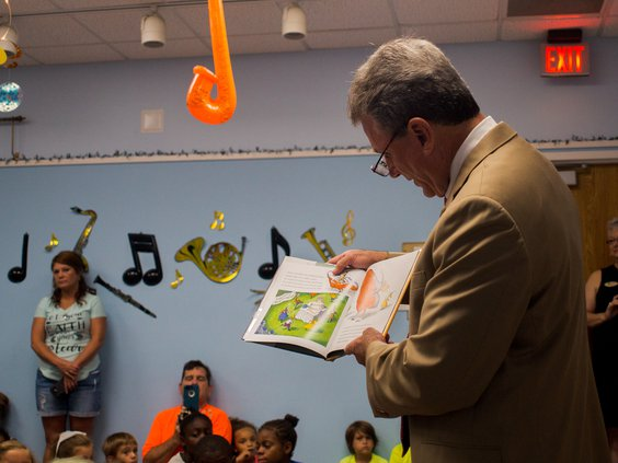 Buddy Carter Visits Long County Library