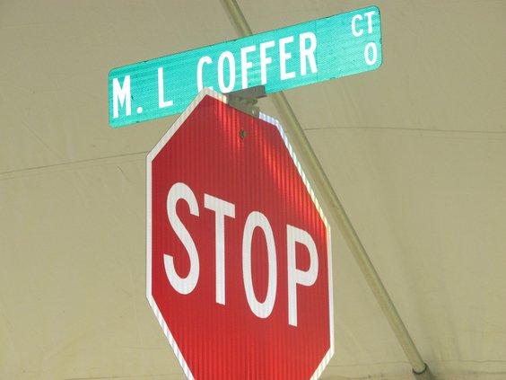 Coffer sign